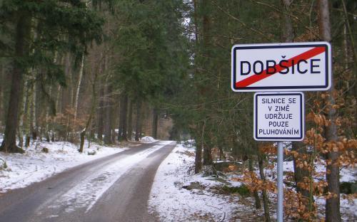za_dobsicemi_zacinaji_nekonecne_lesy_._._.jpg