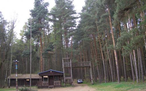 letni_pionyrsky_tabor_kocanda_pri_okraji_skocickeho_hradu.jpg