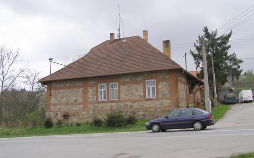schwarzenberska_byvala_lesovna_fortovna_ve_skocicich.jpg