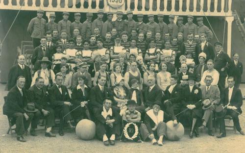 cirkus_sarrassani_1930.jpg