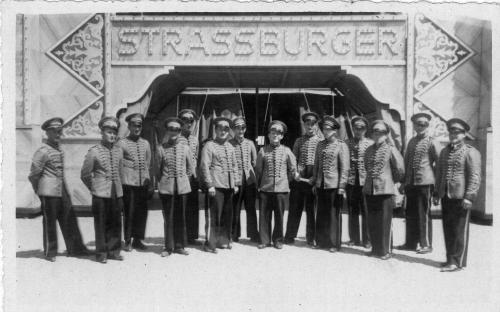 muzikanti_u_cirkusu_strassburger.jpg