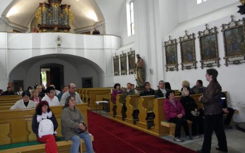 kostel_povyseni_sv.krize_interier.jpg