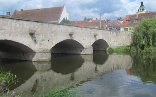 kamenny_most_pres_blanici_v_putimi.jpg