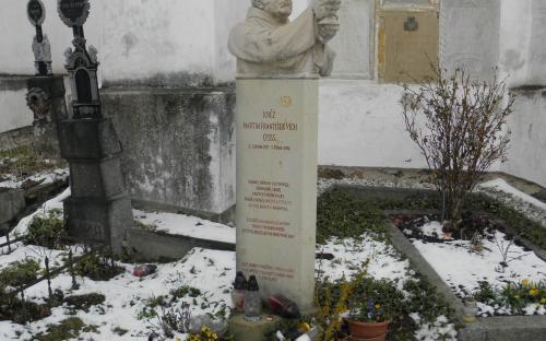 pomnicek_farare_martina_vicha_v_dobrsi_8.4._2021.jpg
